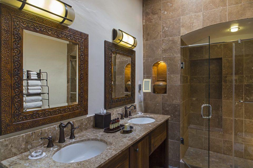 La Posada de Santa Fe Bathroom