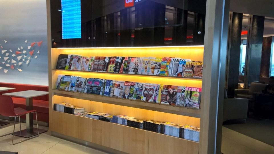 Maple Leaf Lounge Frankfurt Magazines