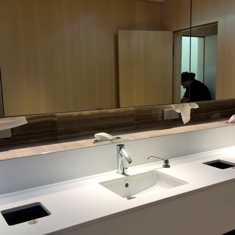 Maple Leaf Lounge Frankfurt Washrooms