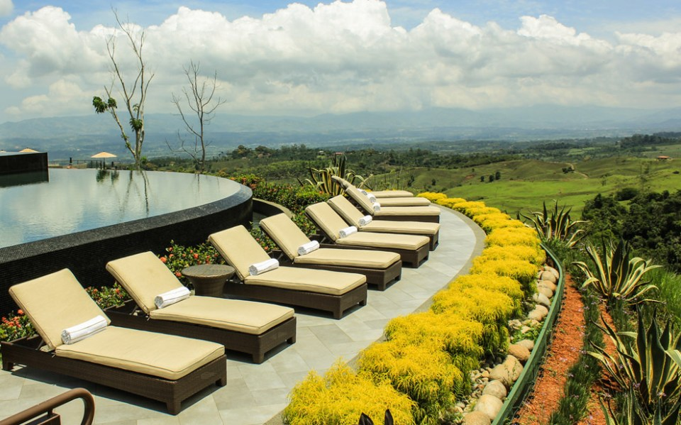 Hacienda AltaGracia Loungers