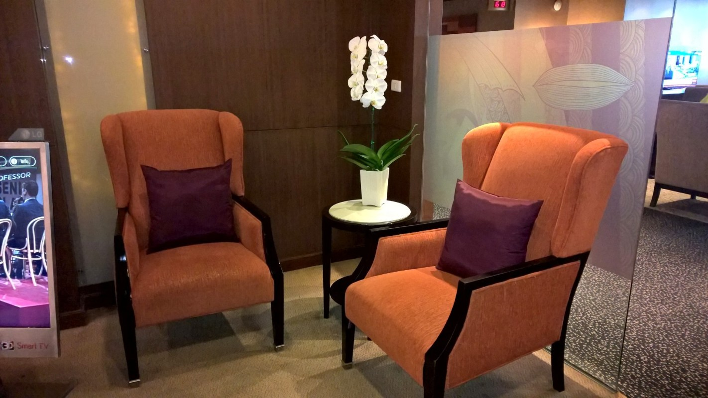 Thai Royal First Lounge Bangkok D Seating