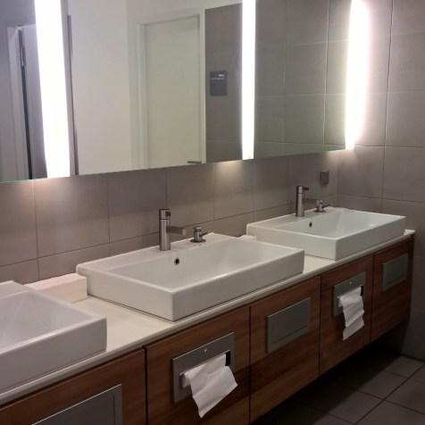Lufthansa Senator Lounge II Munich Munich Washrooms
