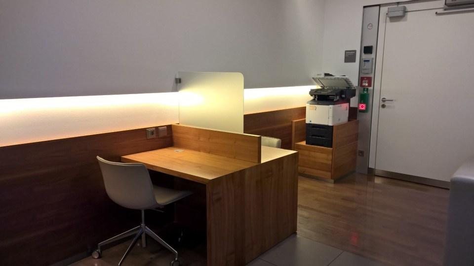 Lufthansa Senator Café Munich Working Area