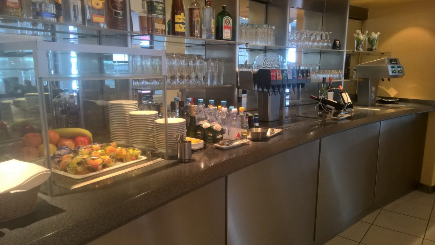 Lufthansa Business Lounge Berlin Buffet