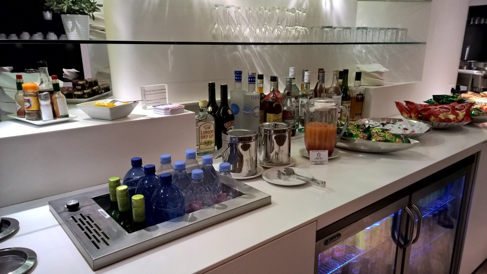 Buffet Star Alliance Lounge Paris
