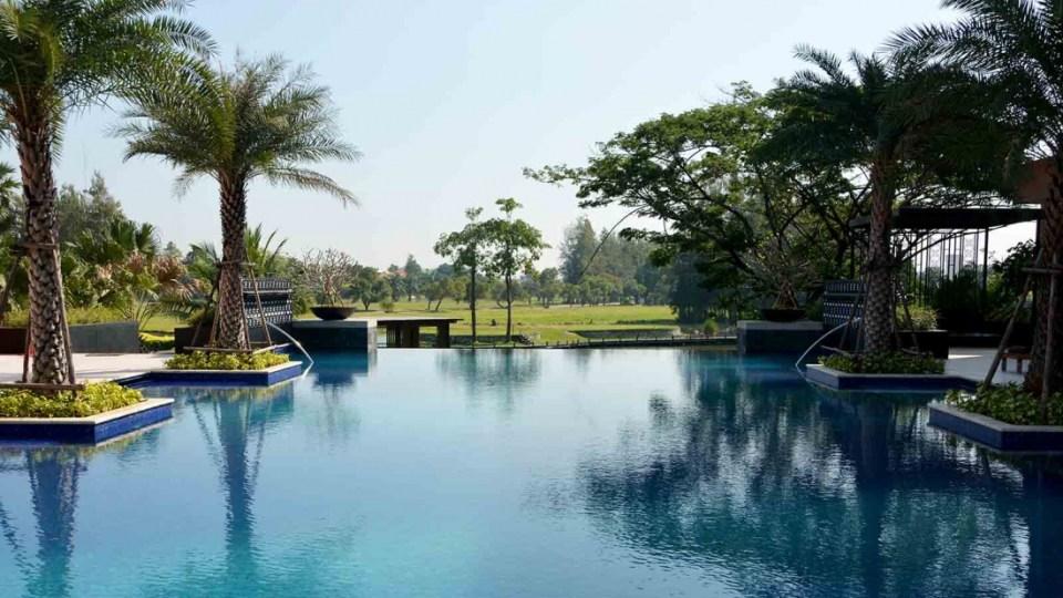 Le Méridien Suvarnabhumi Infinity Pool