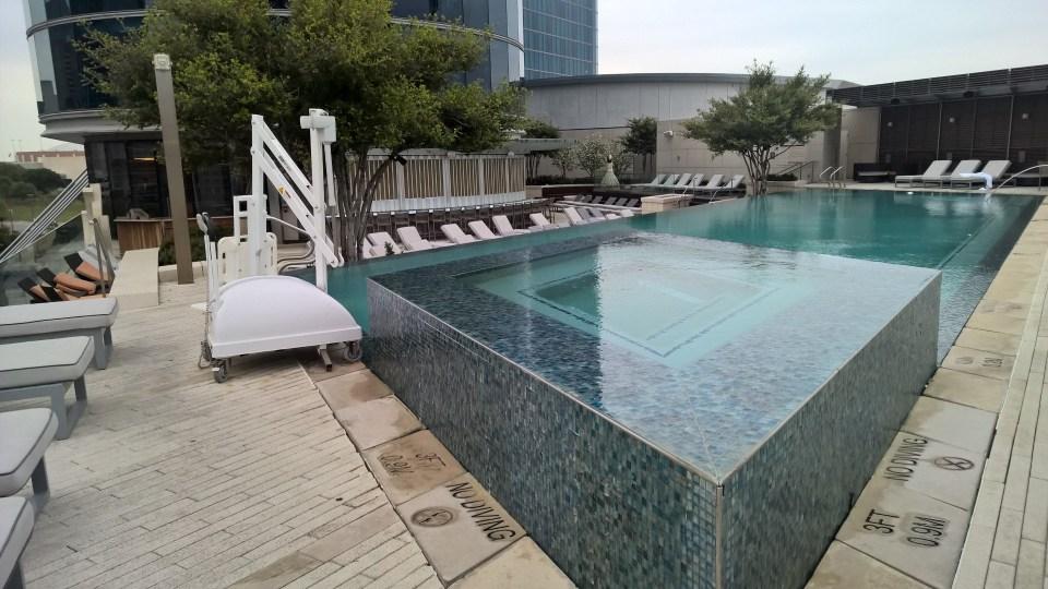 Omni Hotel Dallas Jacuzzi