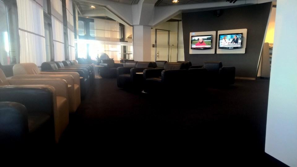 Lufthansa Business Lounge Berlin Seating