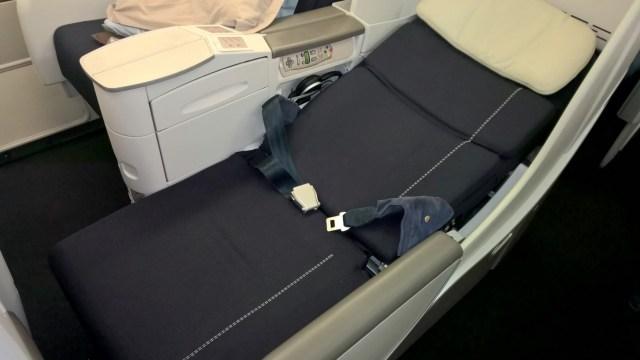Air France Business Class Boeing 777-200