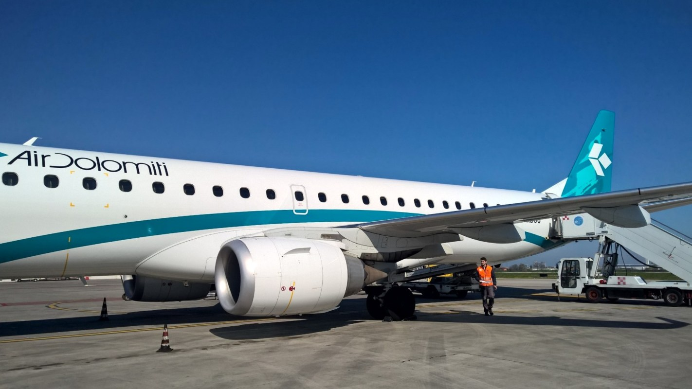 Air Dolomiti Embraer 190