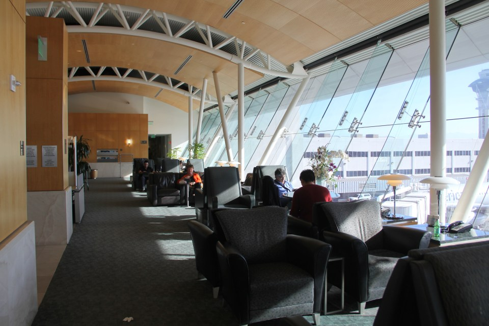 AA Flagship Lounge LAX Seating