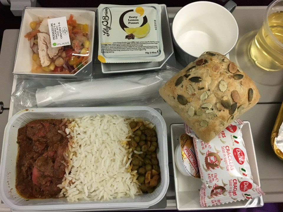 malaysia-airlines-a380-dinner