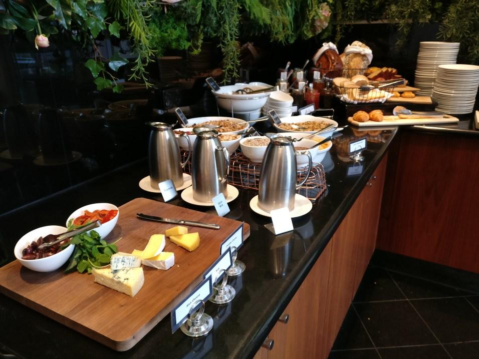 The Como Melbourne Breakfast