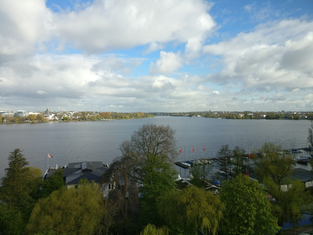 Le Meridien Hamburg View Breakfast