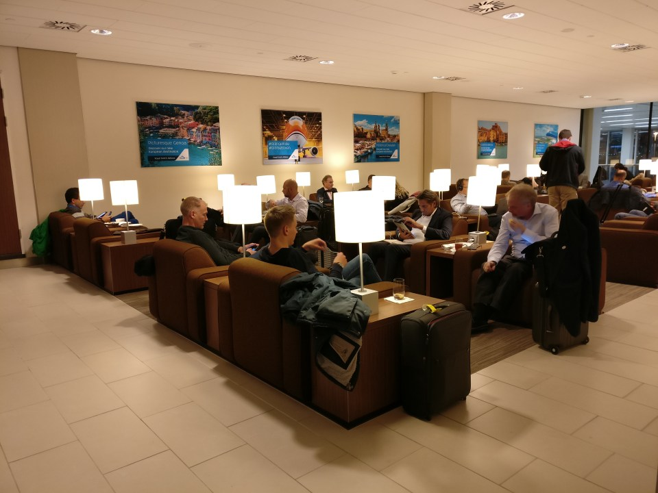 KLM Crown Lounge Amsterdam 25 Seating
