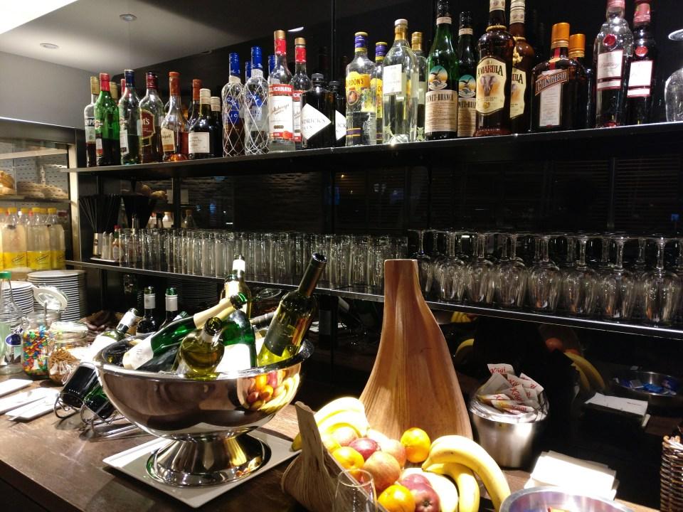 Swiss Senator Lounge Zurich A Buffet