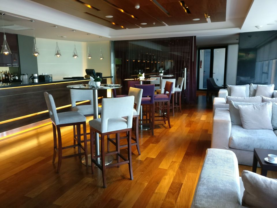 Hilton Garden Inn Montevideo Bar