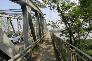Hanoi Truong Tien Bridge