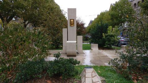 Metz Place Raymond Mondon