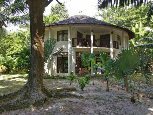 Hilton Seychelles Labriz Resort Library