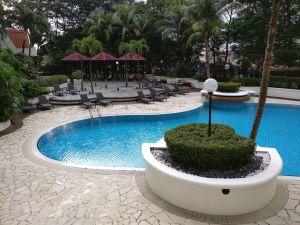 Hilton Pealing Jaya Pool