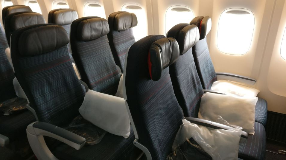 Air Canada Economy Class Boeing 777-300ER Seating