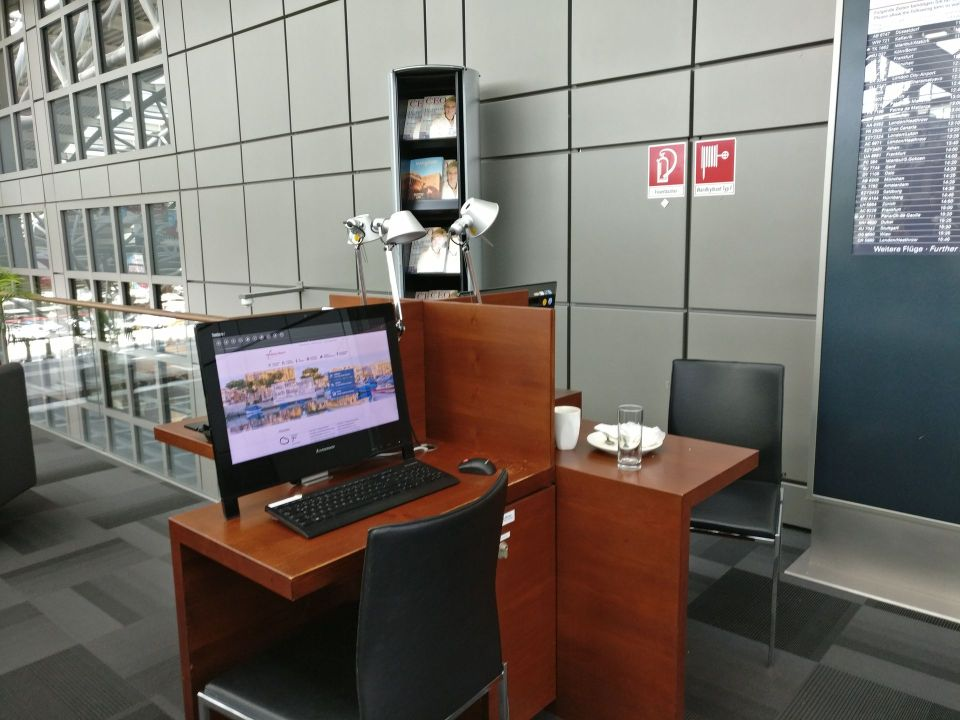Hamburg Airport Lounge Business Center