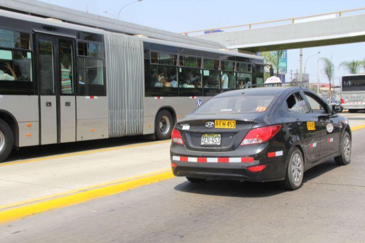 Taxi Bus Lima