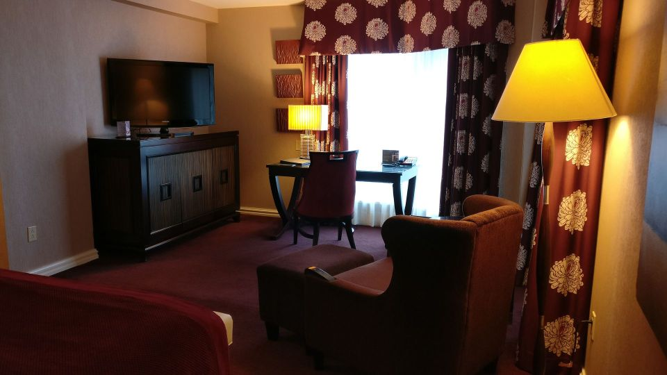 InterContinental Montreal Deluxe Corner Room