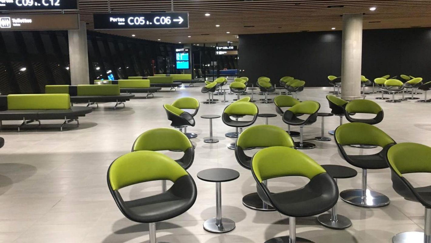 Lyon Saint Exupery Airport Starbucks Seating