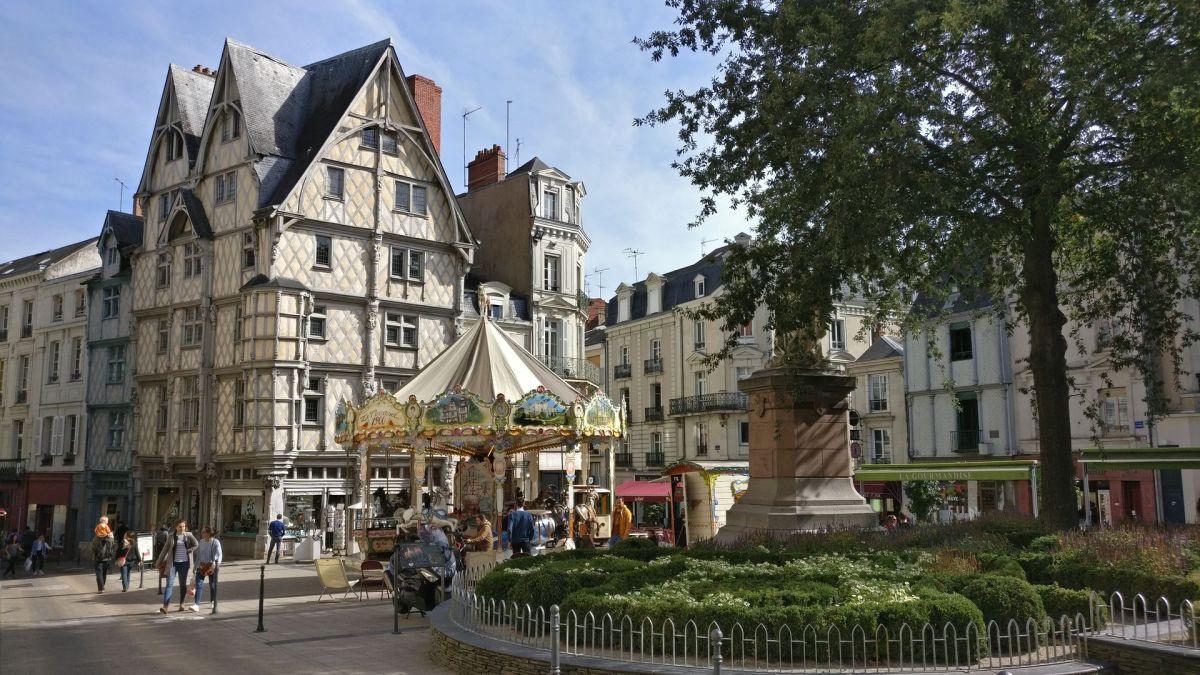 Angers Travelux