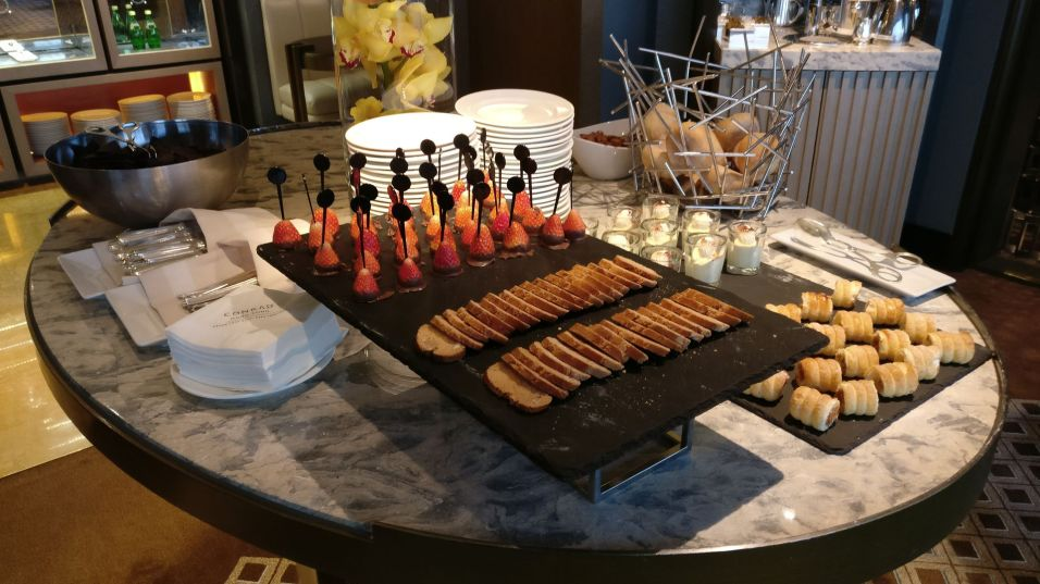 Conrad Hongkong Executive Lounge Afternoon Tea
