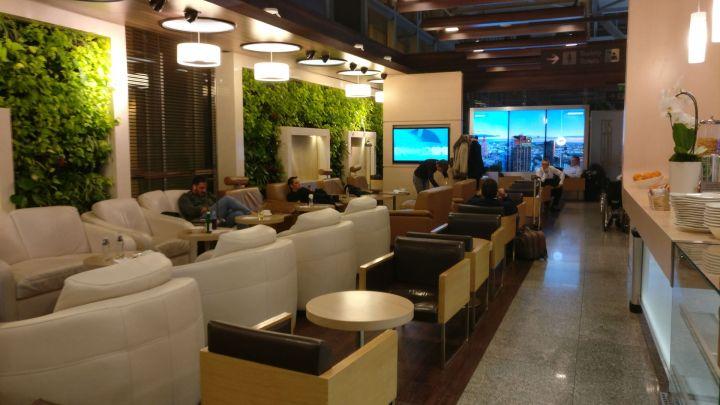 LOT Business Lounge Warsaw Seating