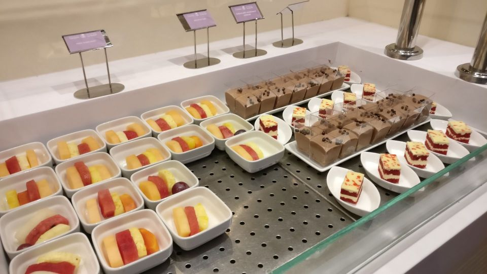 Saudia Lounge Dschidda Buffet