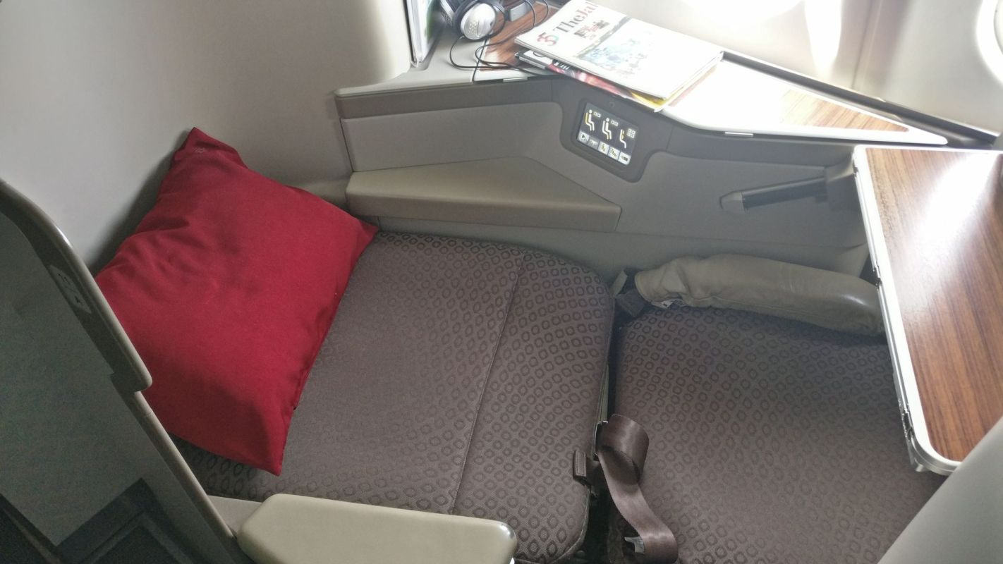 Garuda Indonesia Business Class Airbus A330 Bed