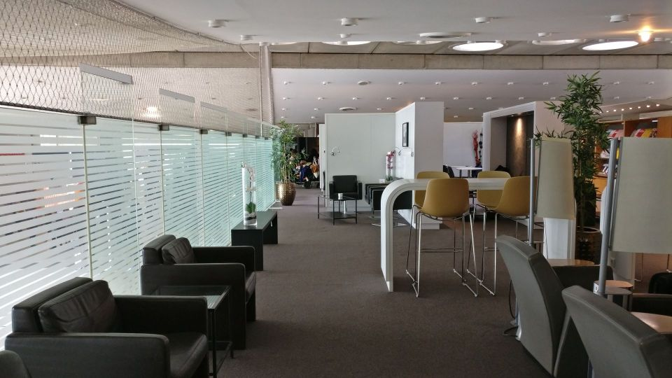 Sheltair Lounge Paris CDG Seating
