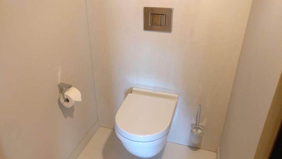 5 Terres Hotel Barr Deluxe Room Bathroom