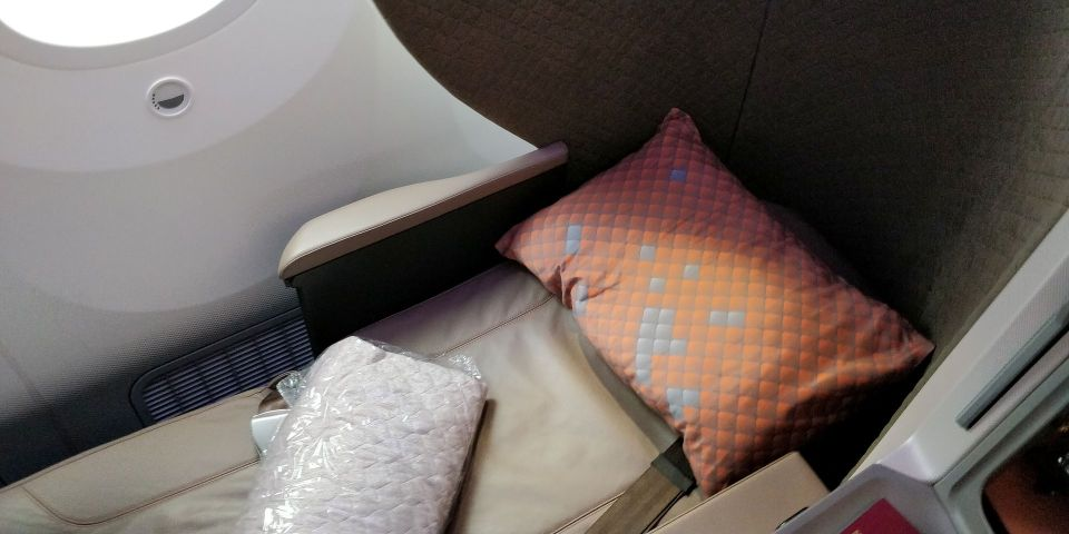 Singapore Airlines Business Class Boeing 787-10 Bed