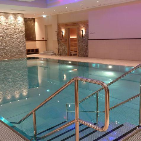 Marriott Bonn World Conference Center Pool