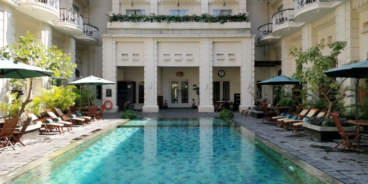 phoenix hotel yogyakarta pool