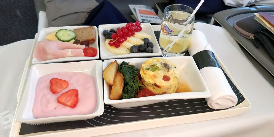 LOT long haul Business Class Breakfast