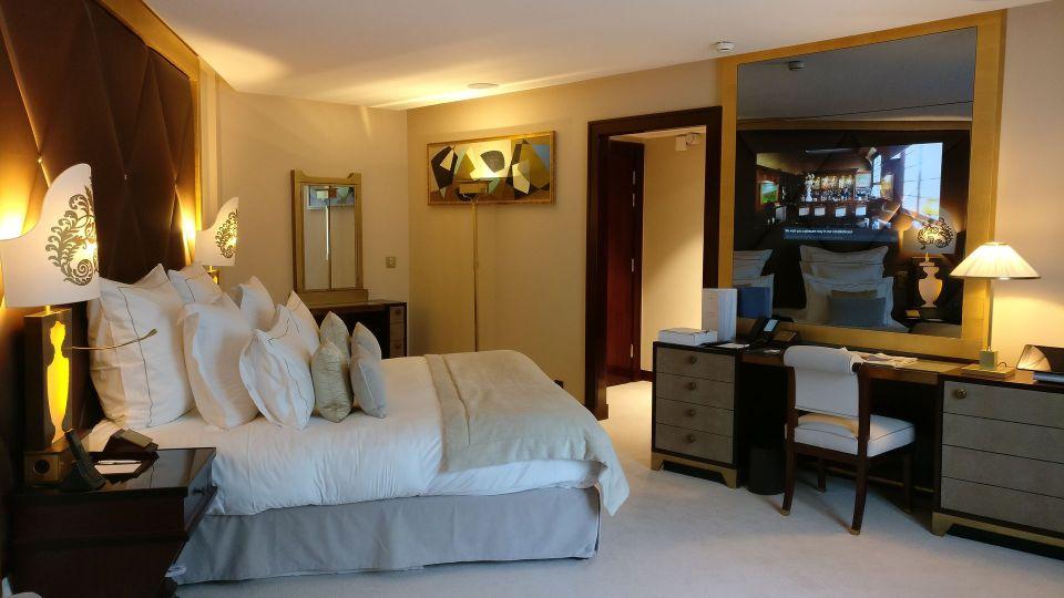 Hotel Barriere Le Fouquet Paris Junior Suite