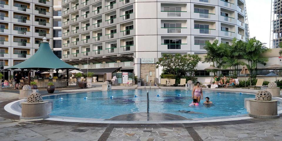 Swissotel The Stamford Singapore Pool