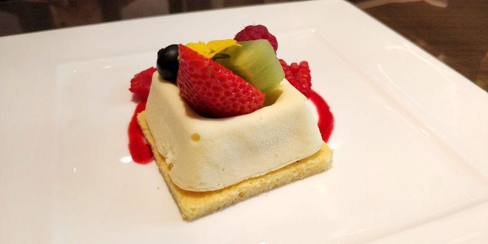 Waldorf Astoria Beijing Cake