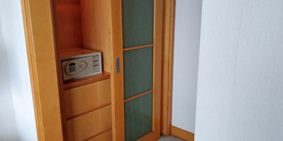 DoubleTree Shanghai Pudong Suite Bedroom