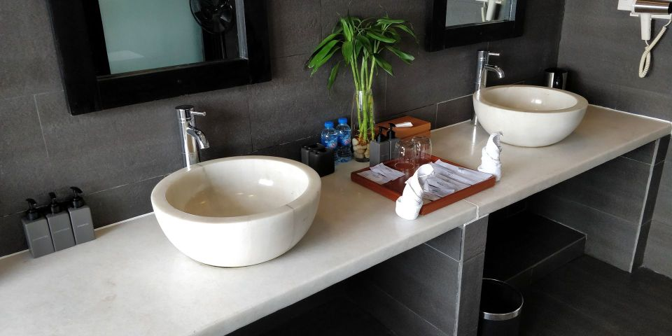 Vedana Lagoon Resort Villa Bathroom
