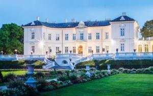 Музей янтаря, расположенный в бывшем дворце Тышкевичей