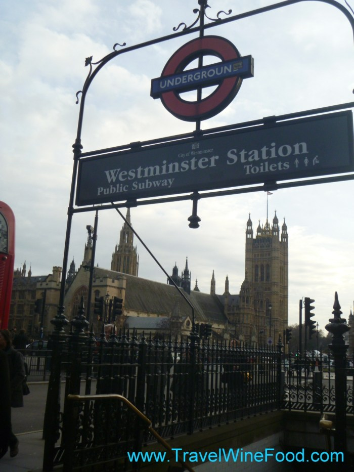 westminster-station-entrance-01