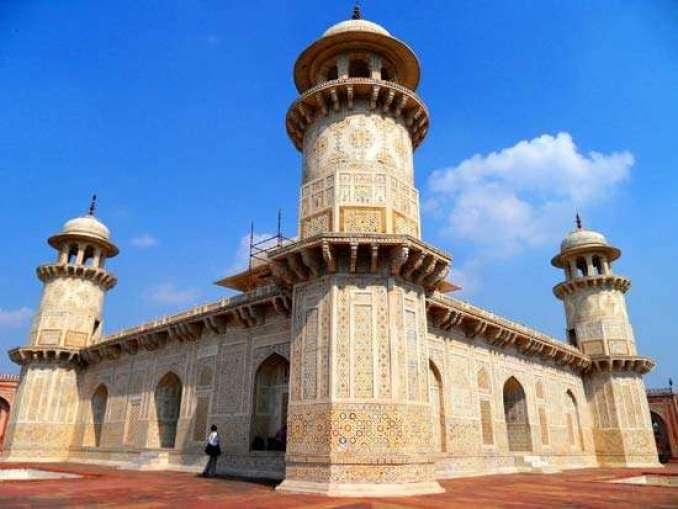 Tomb of Itmad-Ul-Daullah, Agra, India