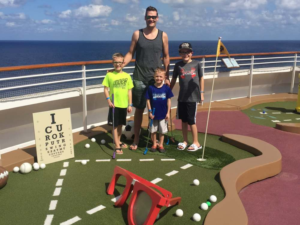 Disney Cruise-Mini Golf